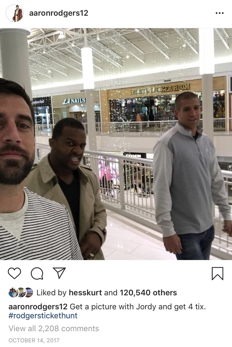 This is from Aaron Rodgers' IG in 2017. 2 years later, Jordy Nelson and Randall Cobb are both gone. #Packers<br>http://pic.twitter.com/NCIzaqdGaG