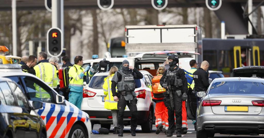 RT @CBSNews: Another suspect arrested in Dutch tram attack that left 3 dead https://t.co/2lcDMRWgWH https://t.co/Zgsud68jjG