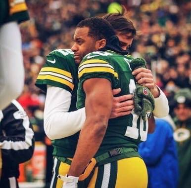 Thank you @rcobb18 for your time in Green Bay! You will always hold a special place in Packers fans hearts! #4thAnd8<br>http://pic.twitter.com/sSQpACqlfZ