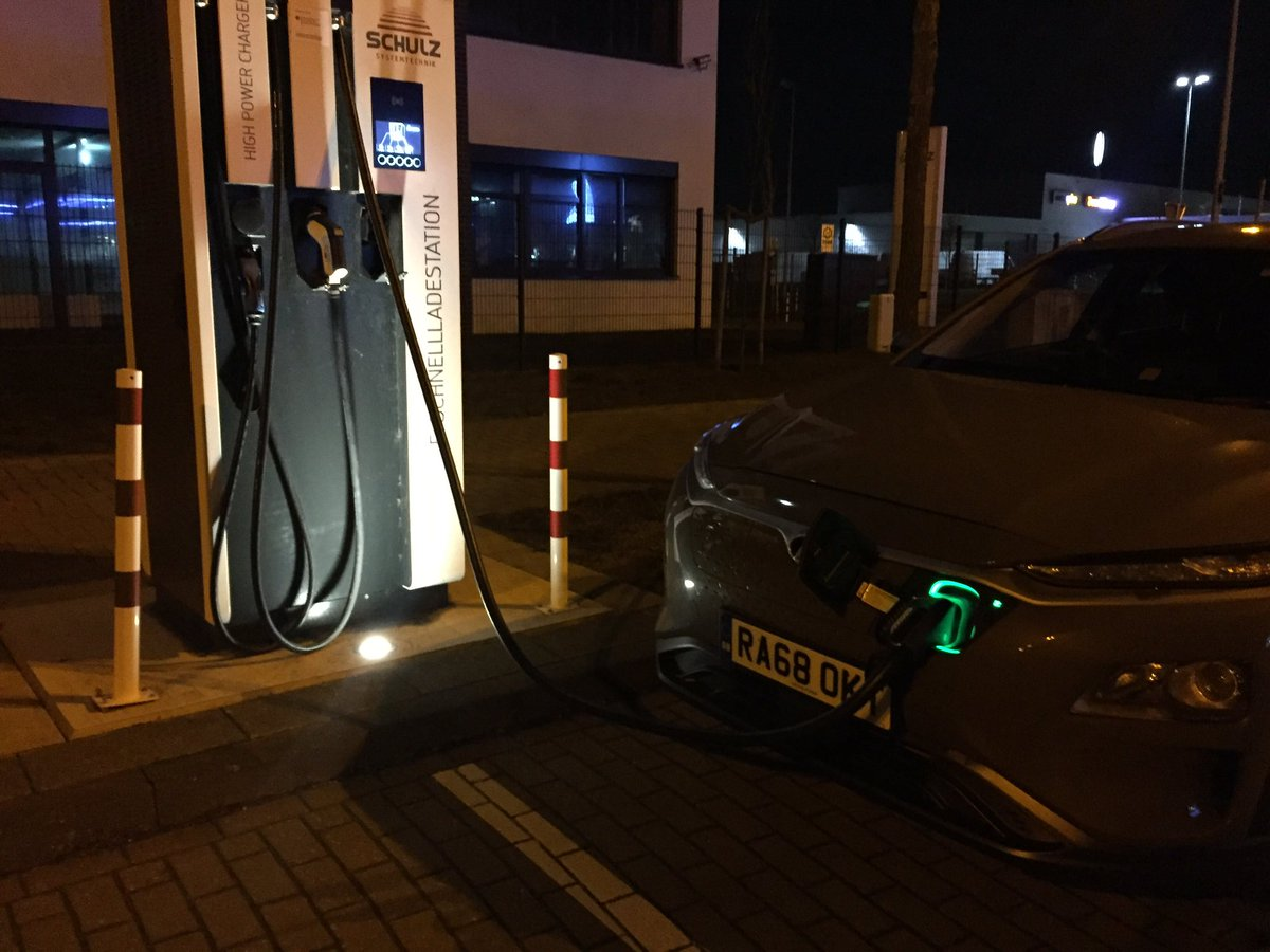 #SwanseaToOsloEVRoadtrip 1st stop after rEVolution19 Amsterdam is Bremen, 200 miles, non stop in the ABC Hyundai Kona. Two new Rapid chargers on street next to hotel - think it's free, just plugged in and it worked!