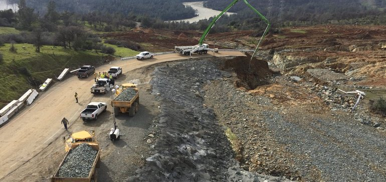 Oroville - Twitter Search