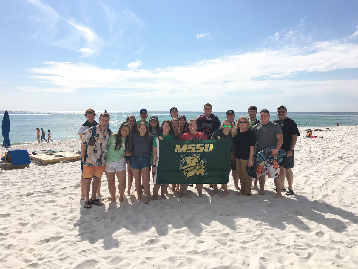 @mosolions Forgot our pennant, but we remembered the flag! #mssu #GoLions #RollPride #PanamaCityBeach <br>http://pic.twitter.com/2ExcqkzcTP
