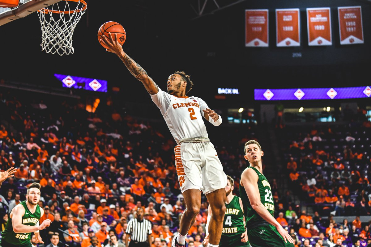 Off the leash as usual 😤  Tonight marks Marcquise Reed's (@QuiseOffDaLeash) 28th 20-point game in a Clemson uniform, which is tied for eighth all time!  #ClemsonGRIT💪