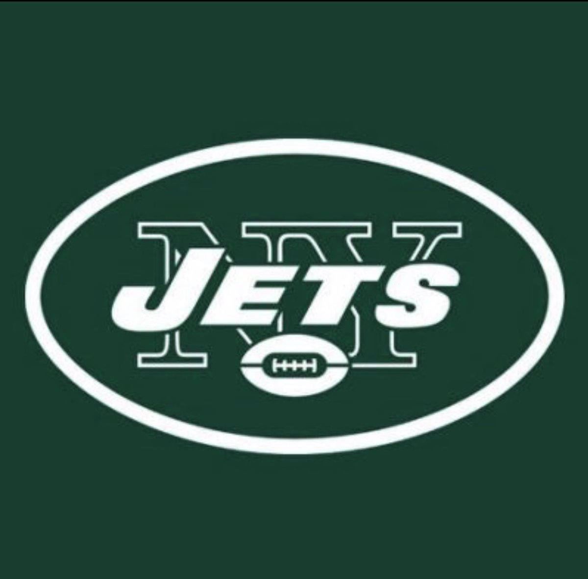 With that being said, I am excited to begin this unbelievable opportunity and start my journey as a member of the New York Jets organization! #🐻⬆️ #J-E-T-S