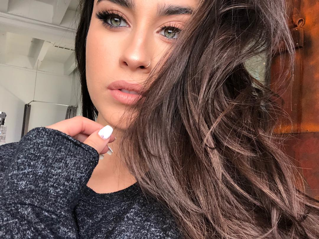 Blessing your feed with the always beautiful @LaurenJauregui <br>http://pic.twitter.com/7WGqQx2NpT