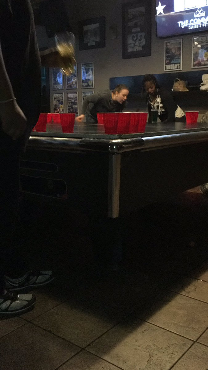 Do you even pong bro #beerpong <br>http://pic.twitter.com/9t9gXvwGBD
