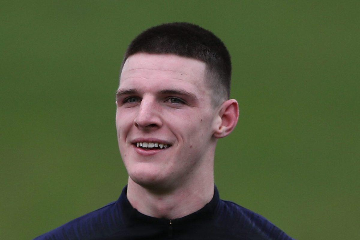 Declan Rice insists his accent proves he's English https://www.thesun.co.uk/sport/football/8675436/declan-rice-accent-proves-hes-english/?utm_medium=Social&utm_campaign=sunfootballtwitter&utm_source=Twitter#Echobox=1553068321 …