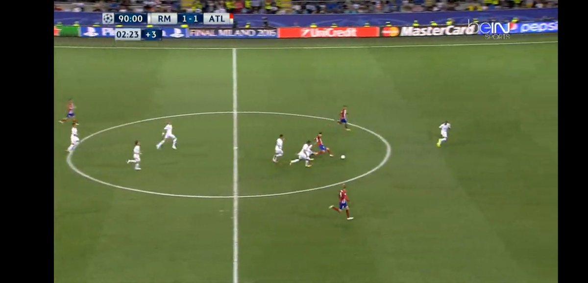 Si el cerdo de Gramos no hubiese hecho de las suyas, el niño habría marcado el gol de esa contra, felicidades Fernando.