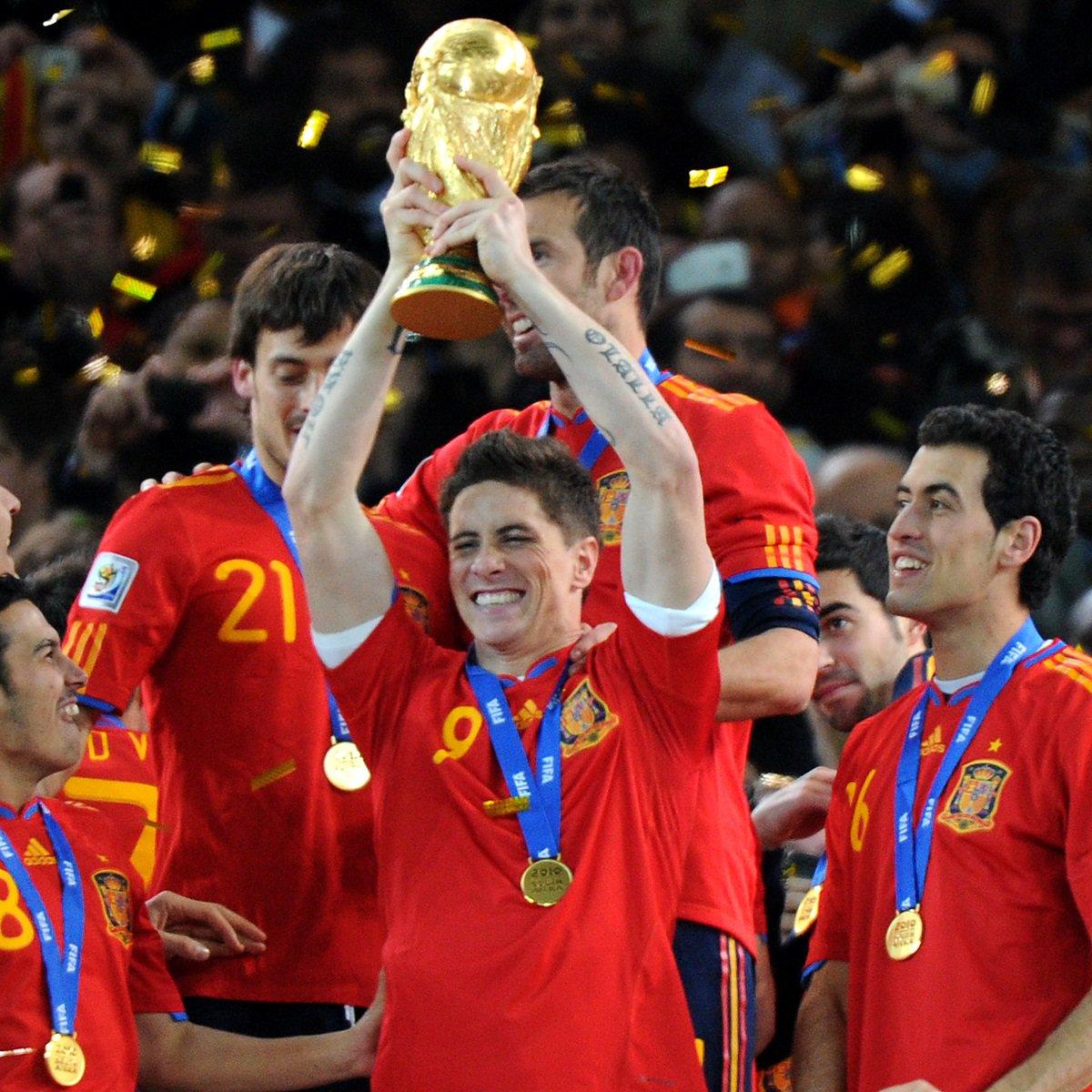Happy Birthday Fernando Torres!   World Cup winner  European Championship winner  Champions League winner  Europa League winner  <br>http://pic.twitter.com/r1rpfSAgaf