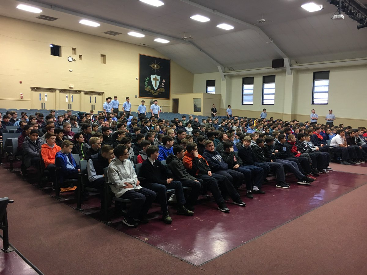 It's a great day to #SeeSolly! 👀We kicked off 7th Grade Visitation Day this morning with almost 300 #FutureCrusaders. 🔴🔵 #ClassOf2024