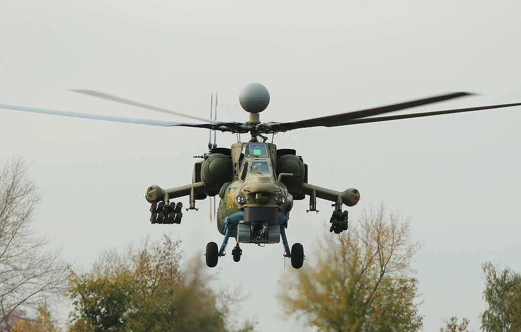 مروحيه Mi-28NM الروسيه ستتسلح بصواريخ جديده مضاده للدروع يبلغ مداها 25 كم  D2G6y4XU0AIqAGw