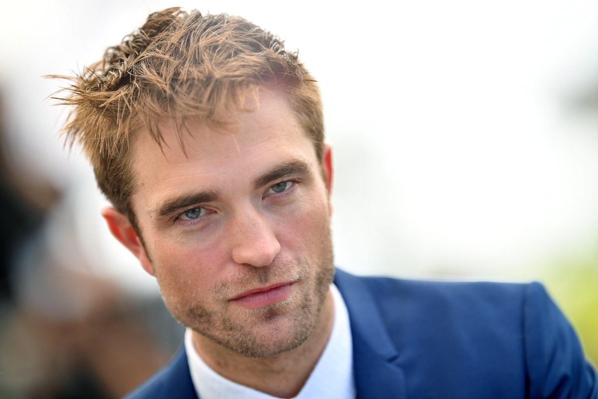 Robert Pattinson and John David Washington have reportedly joined Christopher Nolan's untitled event film!   After Pattinson's brilliant turn in Good Time and Washington's tremendous performance in BlacKkKlansman, this is awesome casting  <br>http://pic.twitter.com/YbA6rTk0LN