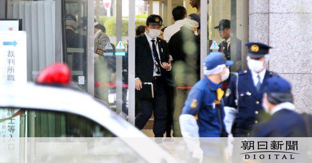 「刃物だ」。叫び声を聞いた男性が見たのは……。女性刺殺事件、凶行は多くの人が訪れる裁判所の入り口で起きました。  https://www.asahi.com/articles/ASM3N5TNLM3NUTIL05Z.html…