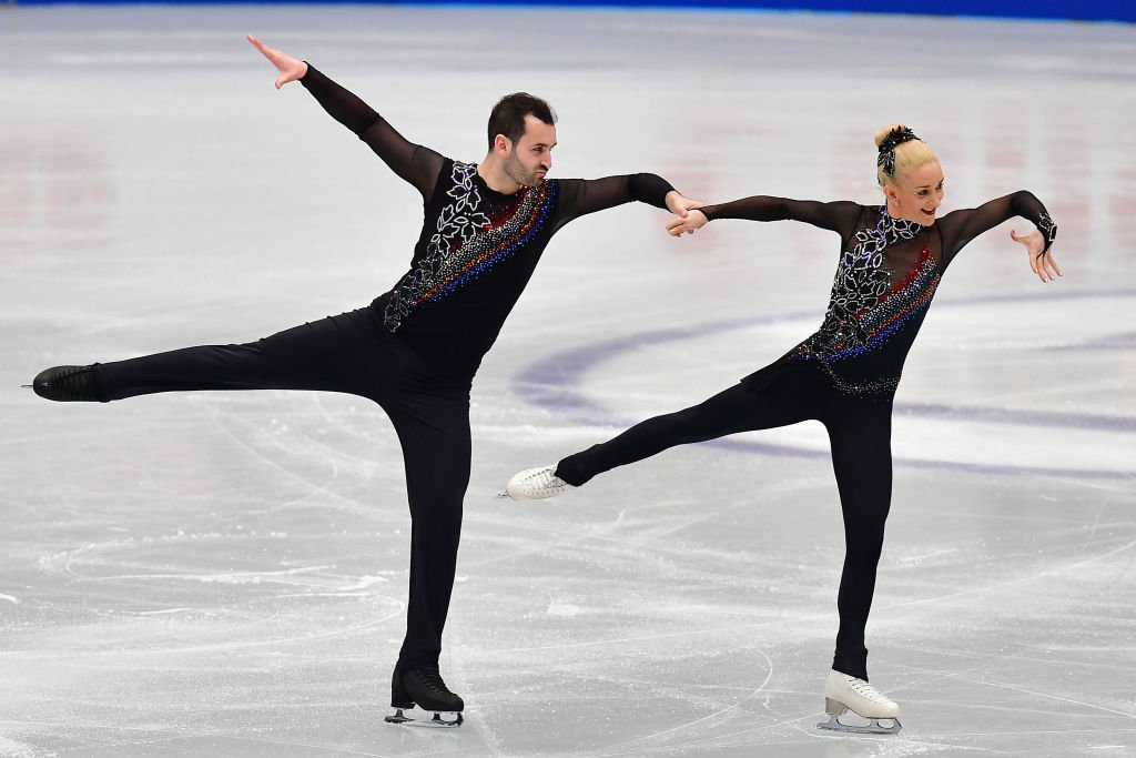 Would you dare try this?  Watch the Pairs Free Skating at the Figure Skating World Championships now👇 https://t.co/cjG51lJCwe https://t.co/YV7Eb7hXC7
