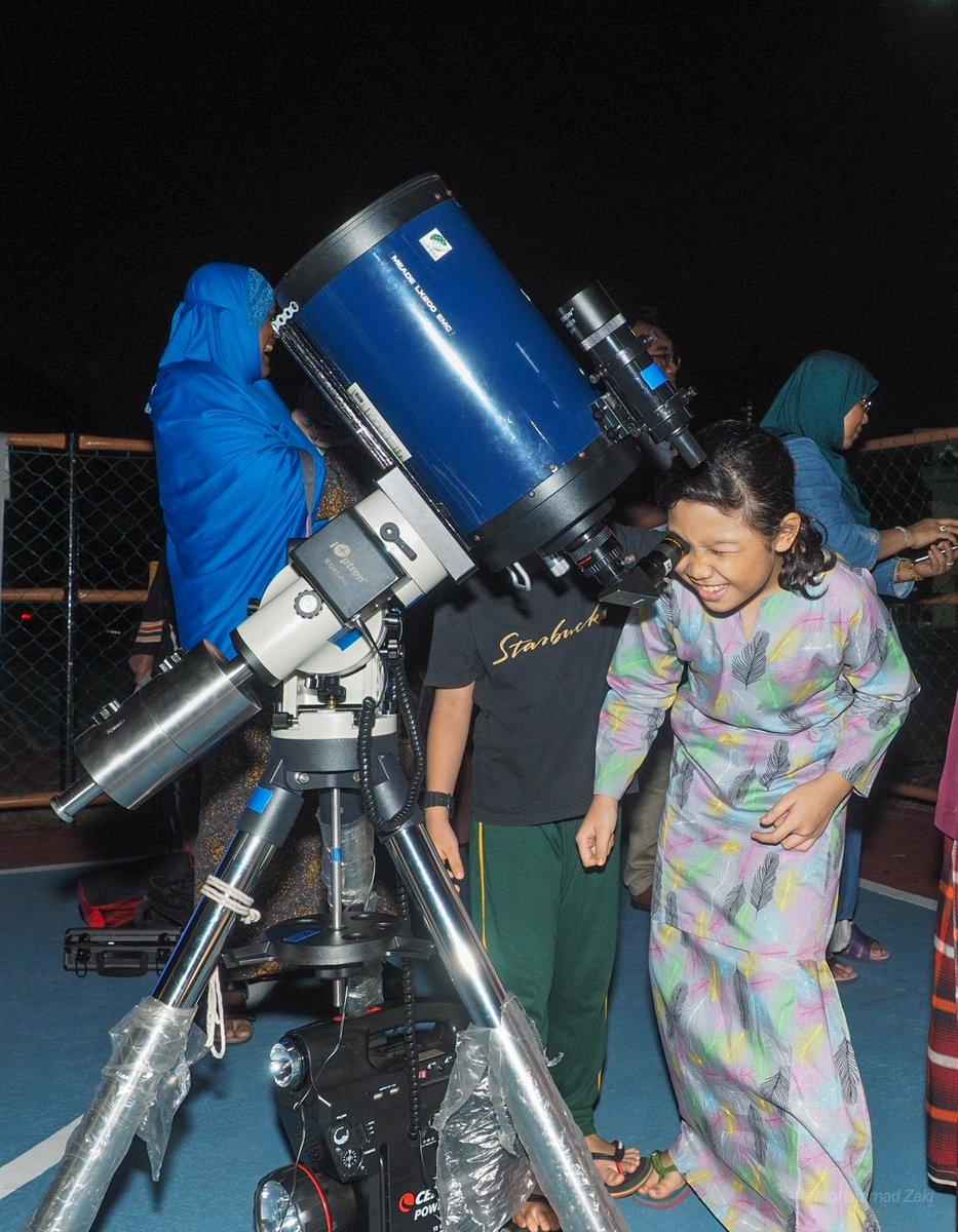 @suraualittifaq @jupem_kats Astronomer cilik di perkarangan Surau Al Ittifaq Keramat Permai.