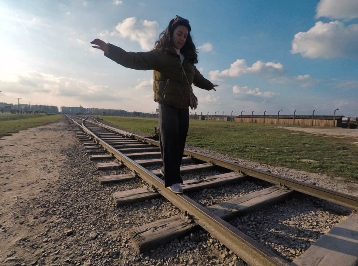 When you come to @AuschwitzMuseum remember you are at the  site where over 1 million people were killed. Respect their memory. There are better places to learn how to walk on a balance beam than the site which symbolizes deportation of hundreds of thousands to their deaths. https://t.co/TxJk9FgxWl