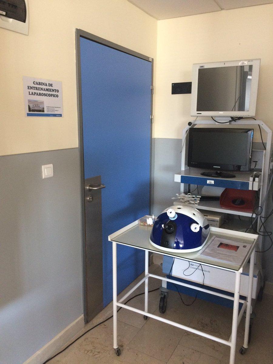 Nuestra flamante cabina de #entrenamiento #laparoscopico. @HUVMacarena @aecformacion #EIR
