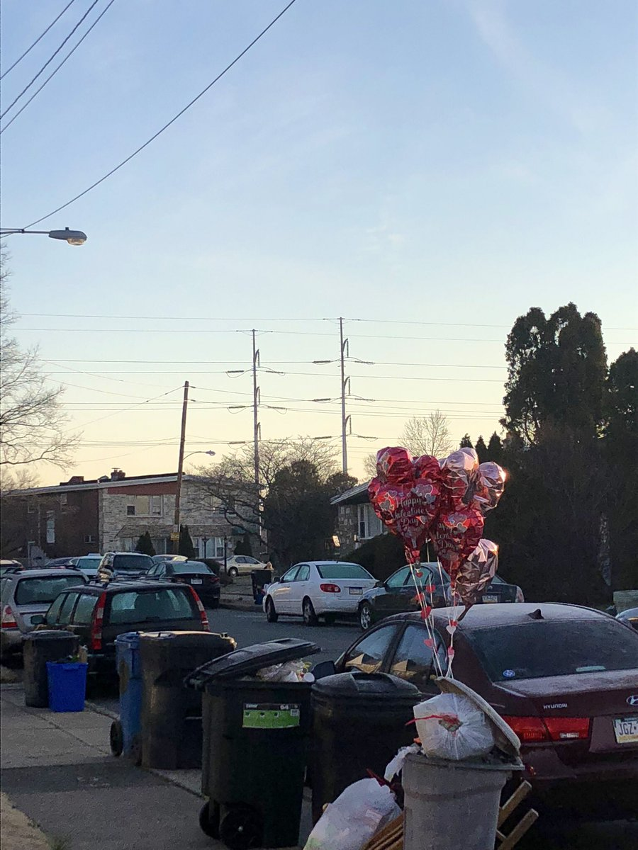 Just returned from an early morning run. It's trash day in #NEPhilly. Wow! Those #ValentinesDay balloons held up! Shout out to the Mylar &amp; Helium! <br>http://pic.twitter.com/BRrwsTvGuU