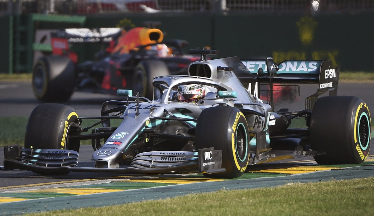 Three overtakes in 2018, 14 in 2019...  Ross Brawn is encouraged by the impact of the new aerodynamic regulations from the #AustralianGP    https://www. skysports.com/f1/news/12433/ 11670725/f1-2019-ross-brawn-encouraged-by-overtaking-following-aero-changes &nbsp; …   #SkyF1<br>http://pic.twitter.com/ZC9gg5Q9G9