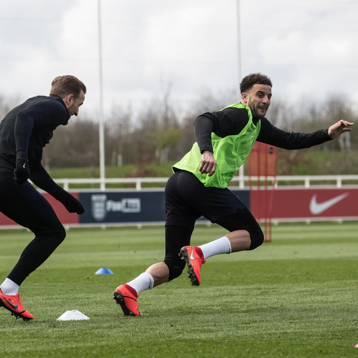 Catch me if you can... ⚡  Check out the latest from the #ThreeLions camp with Inside Training!  👉 https://youtu.be/a0-unG2l3Lo 👈