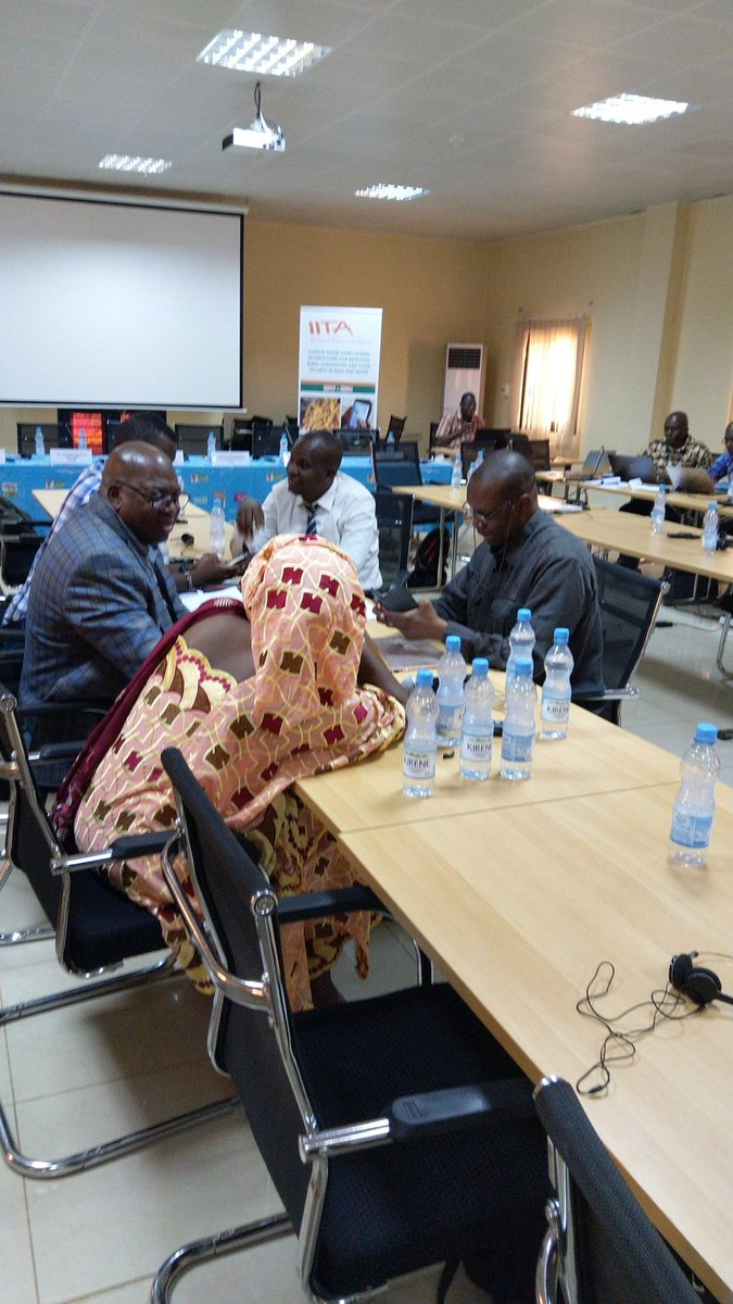 #IITACSAT MALI. Agribusiness is important for the Malian economy <br>http://pic.twitter.com/ACM2xs8NRJ