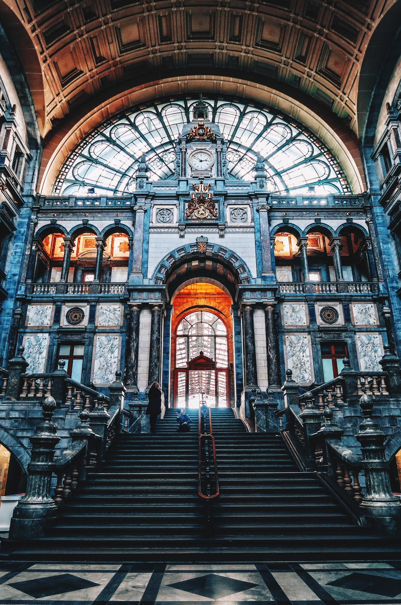 RT @Carolinelsln: Gare d'Anvers #anvers #Antwerpen #antwerp #Belgique #Belgium #travel https://t.co/YG43i5yNhq