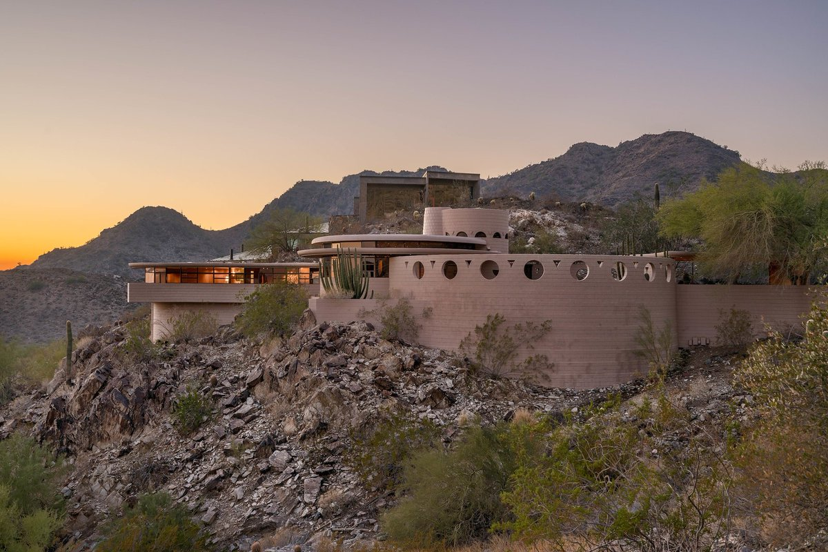 The Last House Designed by Frank Lloyd Wright Hits the Market at $2.98M: bit.ly/2CncJa5