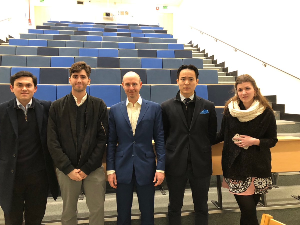 Fun to speak to @UCLTories for what may very well be my last university meeting as an MEP. They have all been a pleasure. Thanks, guys.
