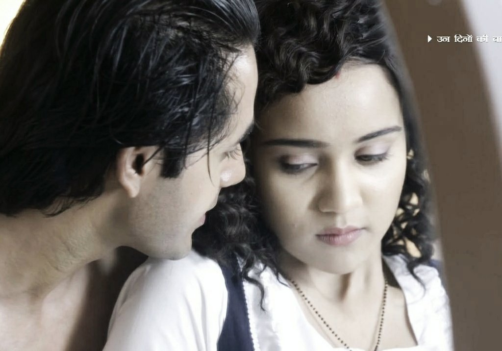Their chemistry is on fire today.   One of the hottest sequence in our show.   #YehUnDinonKiBaatHai   #YehUnDinonKiBaatHai <br>http://pic.twitter.com/zKJbUvzv3D