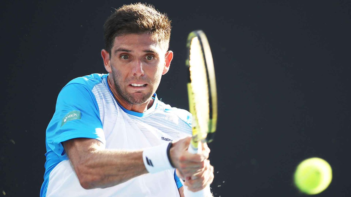 #ATPTour #Tennis  FedeDelbonis claims the opening set 6-4 against Peter Gojowczyk on Grandstand. #MiamiOpen<br>http://pic.twitter.com/xQj5ujyCHz