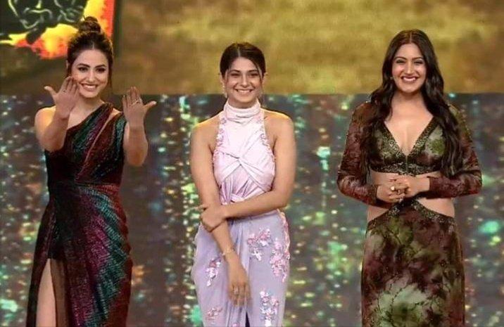 #SuperExclusive THREE SUPERSTAR DIVAS...    #HinaKhan #JenniferWinget and #SurbhiChandna at #IndianTellyAwards....    @GossipsTv  #KasautiiZindagiiKay2 #Ishqbaaz #Bepannaah<br>http://pic.twitter.com/cOYwE5psK0