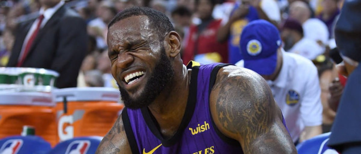 Los Angeles Lakers Fail Compilation Video Goes Viral On Twitter http://dlvr.it/R1Ck8H