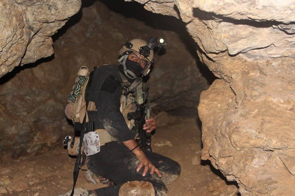 جهاز مكافحة الارهاب (CTS) و فرقة الرد السريع (ERB)...الفرقة الذهبية و الفرقة الحديدية - قوات النخبة - متجدد - صفحة 10 D2HkBkiWoAExEqd