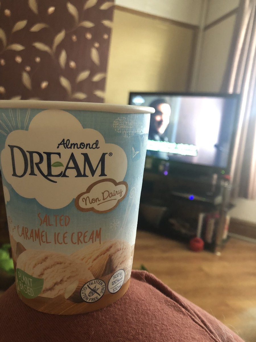 My favourite ice cream and #thecoroner   #livingthedream #dairyfree <br>http://pic.twitter.com/lVnffz9z78