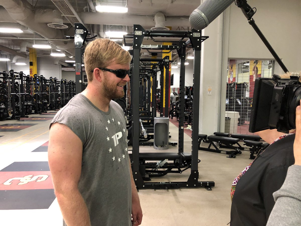 #Inspiring!   @USC_Athletics Jake Olson, benched 225 lbs 17-times at Pro Day to raise funds to help cure the retinoblastoma cancer that took his eyesight.    A 4-year-old with the same disease flew in from New Jersey as motivation!   The story on ABC7 at 5pm.   #abc7eyewitness