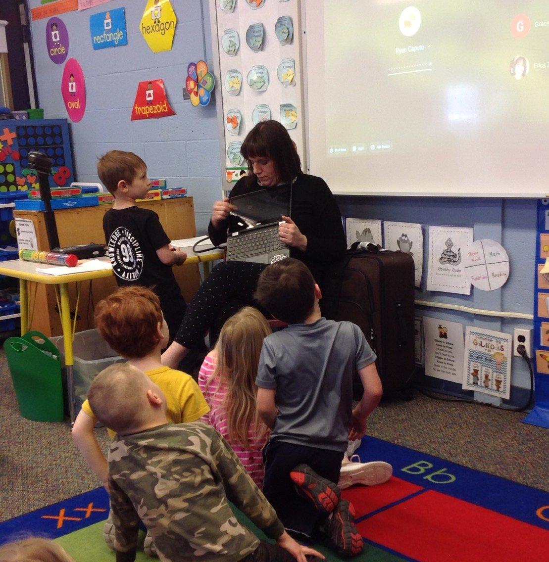 Chromebooks in Kindergarten #grcsu <br>http://pic.twitter.com/qed9IslBbl