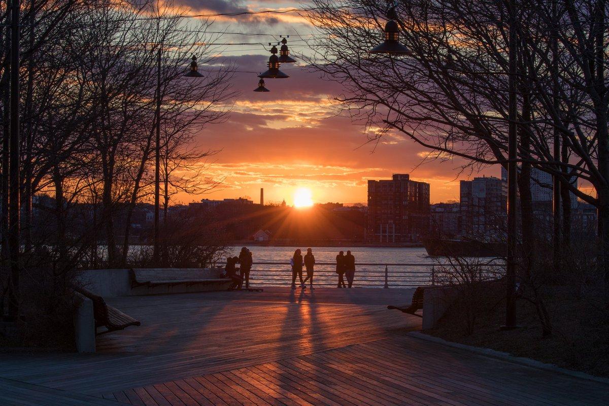 Last night's final sunset rays illuminating the Chelsea Waterfront #NYC