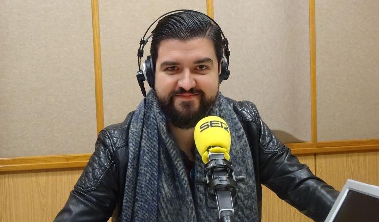 Este viernes grabamos #ZafarranchoVilima con @_ManuSanchez_ a las 19:00 en @RadioSevilla Si quieres venir de público descárgate tu entrada gratuitamente en este enlace:  http://zafarranchovilima.eventbrite.com/