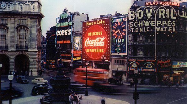 Coca-Cola ilumina Londres y al mundo, conoce la historia ingresando en #EsteJourneyJuntos 👉🏻 http://spr.ly/6017EZBJV