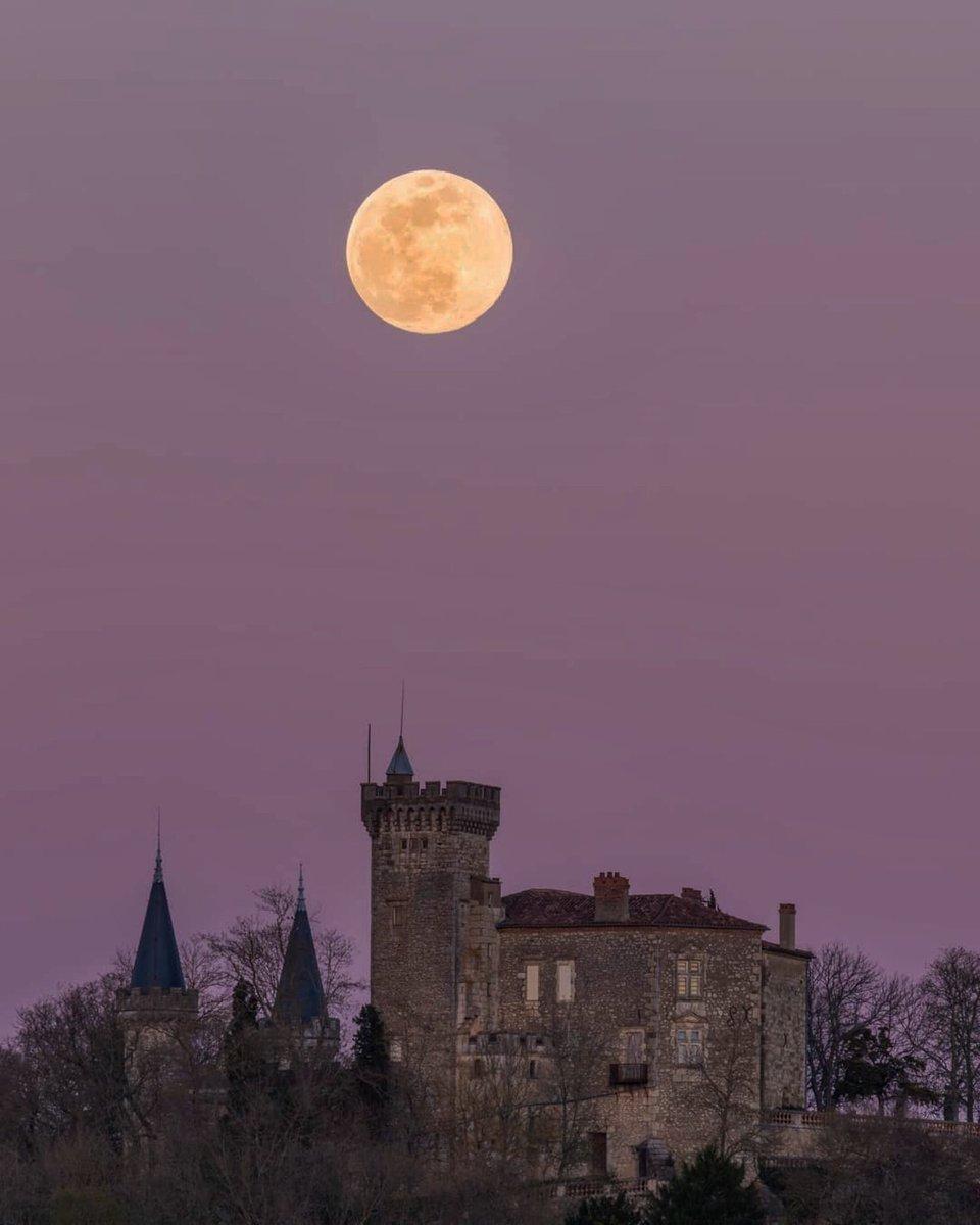 "La ""super Lune"" est de retour D2IA7RYWoAg3vJP"