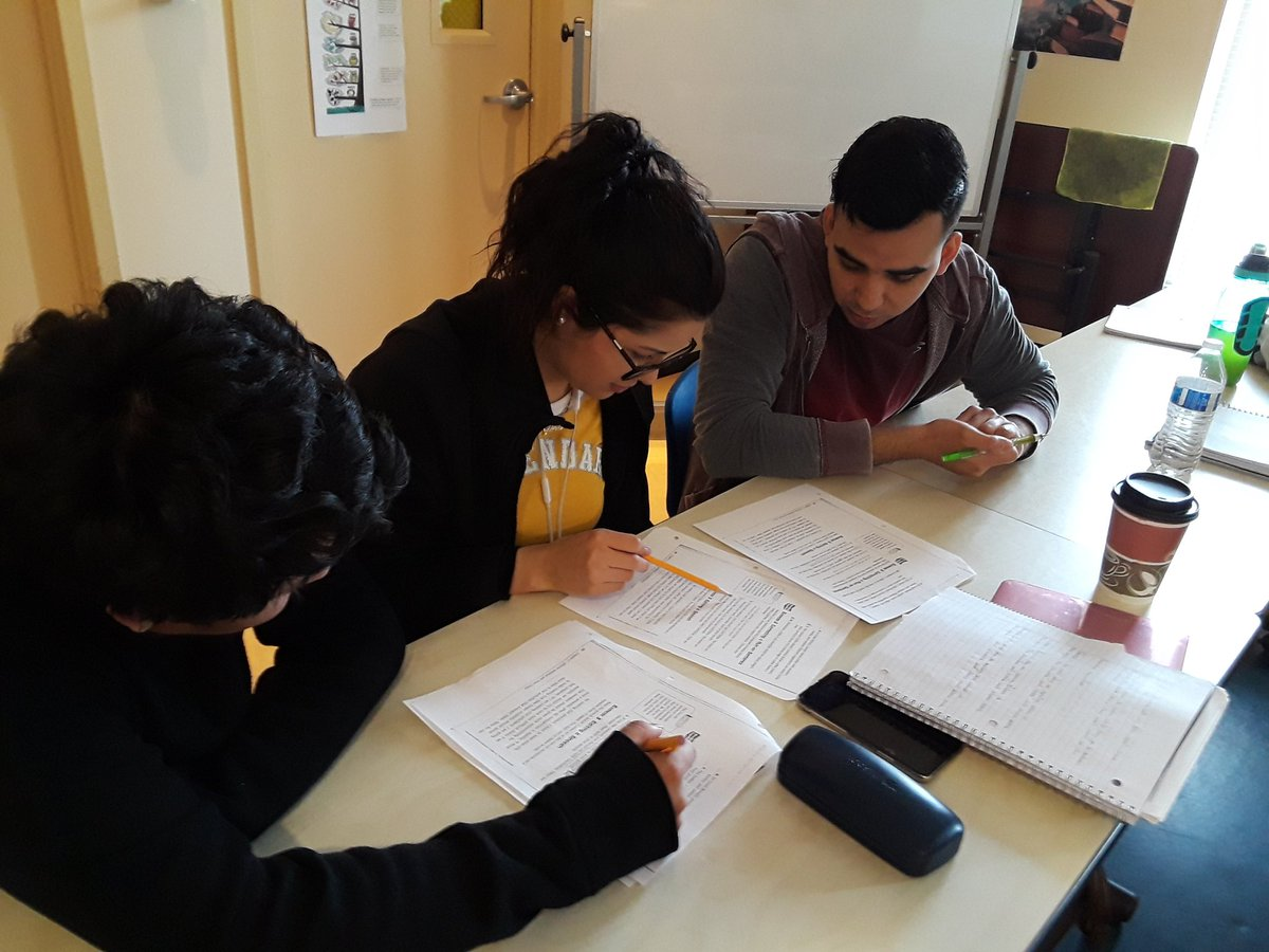 RT <a target='_blank' href='http://twitter.com/RobinLT_ACHS'>@RobinLT_ACHS</a>: Love when students are loudly debating how to revise run-on sentences! <a target='_blank' href='http://twitter.com/ACHSmavericks'>@ACHSmavericks</a> <a target='_blank' href='http://twitter.com/APS_ESOL'>@APS_ESOL</a> <a target='_blank' href='https://t.co/8eWcKsIK09'>https://t.co/8eWcKsIK09</a>