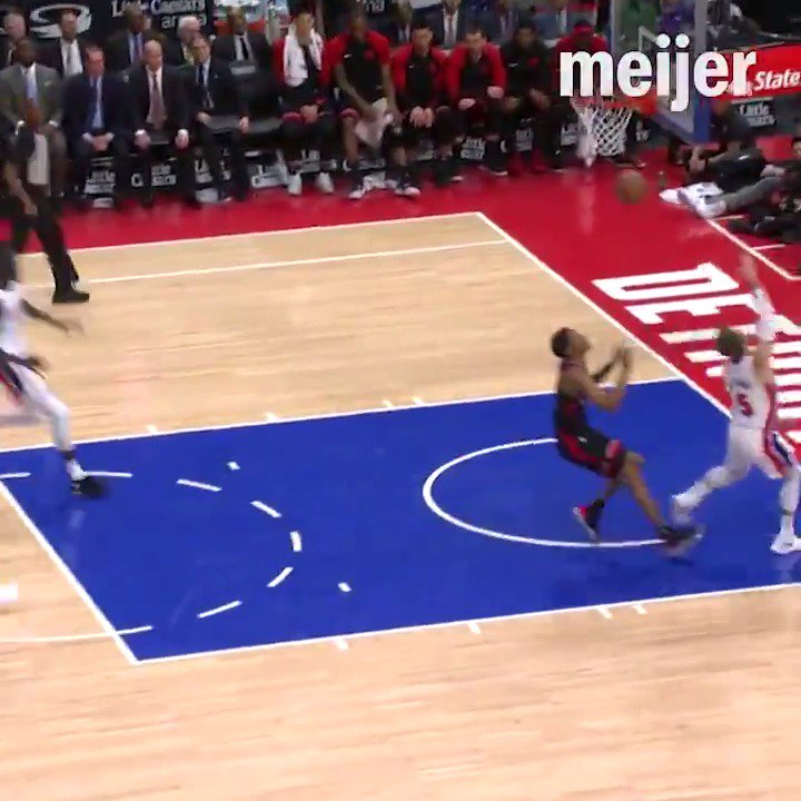 This @LukeKennard5 lob to @ThonMaker14 ... unreal.  It's our Delivery of the Week presented by @Meijer