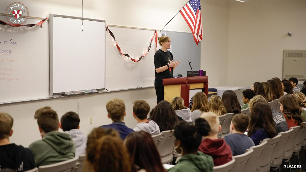 We continued the celebration of #WHM2019 with a visit to Desert Oasis High School, where @CarolynSwords participated in the school's 3rd Annual March Women's History Speakers Series and shared her story of being a student athlete turned pro. #AcesCare