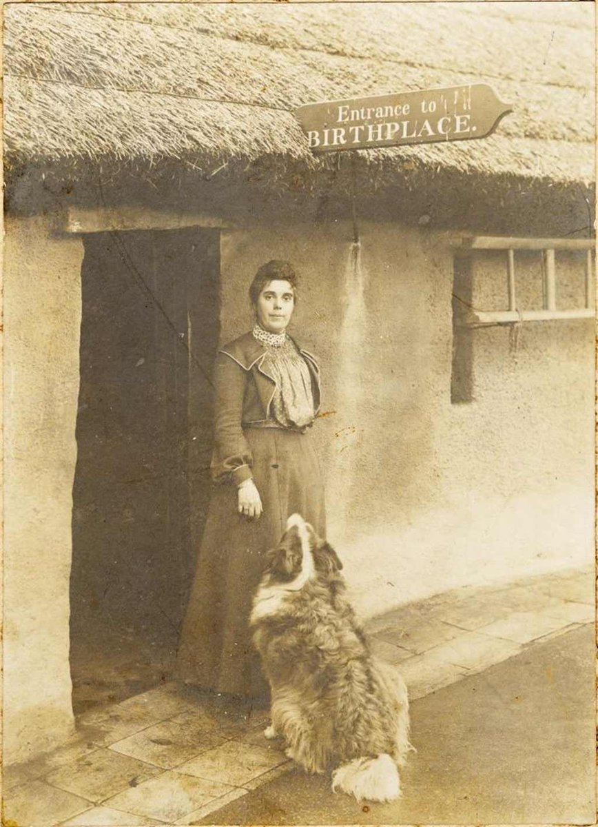 An amazing picture of Burns' great granddaughter, Jean Armour Burns Brown, visiting the poet's birthplace in Alloway.   Do you see the resemblance between Jean and Burns?   For more info on this picture and many more brilliant items check out  https://t.co/IEQBDVZeIZ