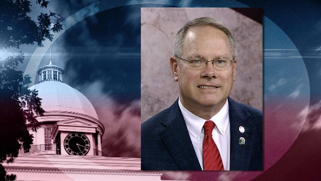 Tonight @ 10:30 on @CapitolJournal: Common Core repeal &amp; church gun bills advance; and Rep. Ed Oliver on gas tax 'yes' vote. #alpolitics <br>http://pic.twitter.com/6Ptz3hKU0r
