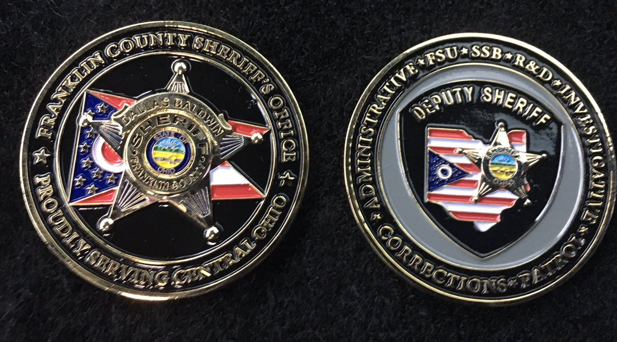 CHALLENGE COIN GIVEAWAY WEDNESDAY! We will pick a random winner after 250 retweets of this post! Up for grabs is one of our Franklin County Sheriff's Office Challenge Coins. Best of Luck to everyone!! #LivePD #LivePDNation #LivePdFans signed photos will be back next week!<br>http://pic.twitter.com/U0WrTm3d4U