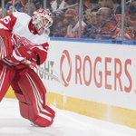 Image for the Tweet beginning: Red Wings keep goalie Howard