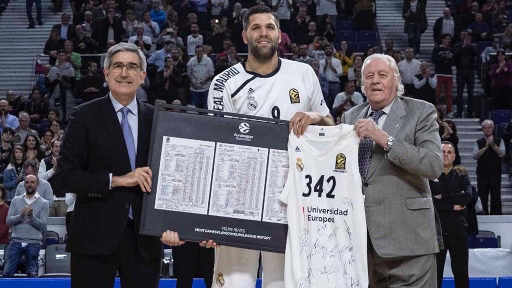 Una más en @EuroLeague y seguimos en la lucha por las 2 primeras plazas 💪🏻 Felicidades al incombustible Capitán por este récord tan impresionante 👏🏻 #halamadrid