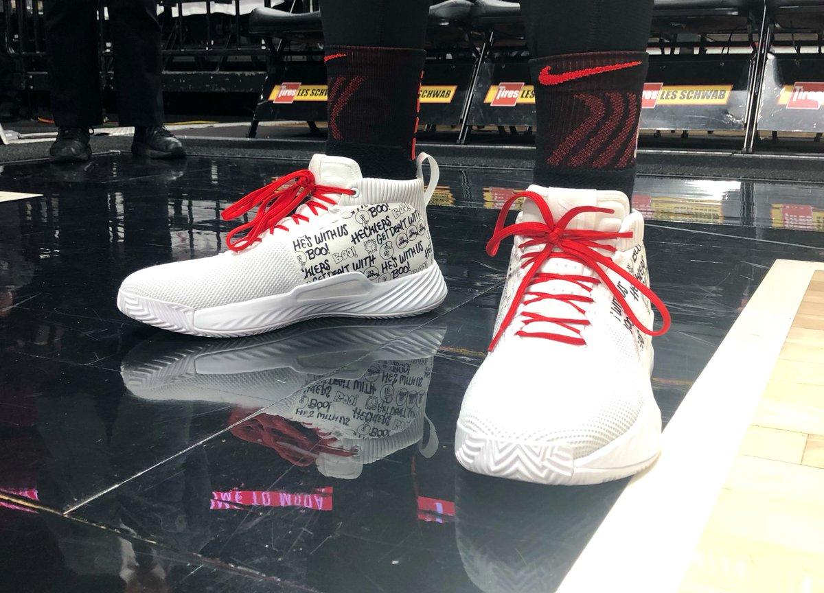 sports shoes 60ccf 7590e ... Basketskor Herr  huge discount 519ec 9631d Damian Lillard and adidas  Basketball