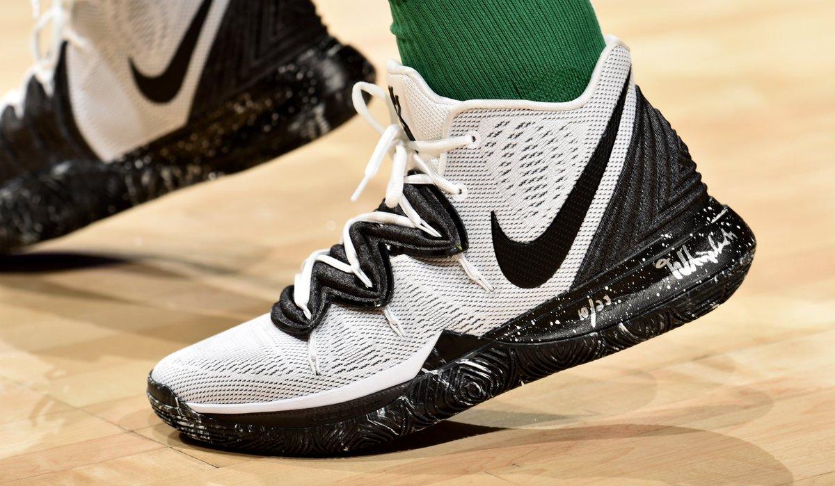 Nike Kyrie 5s tonight